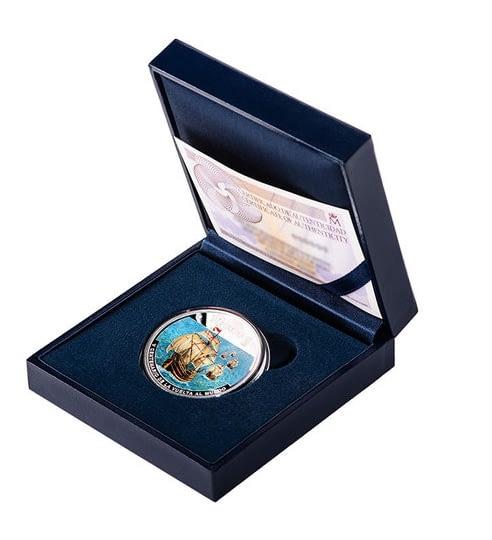 Estuche. Moneda a color del V Centenario de la Vuelta al Mundo. cARTEm COINS